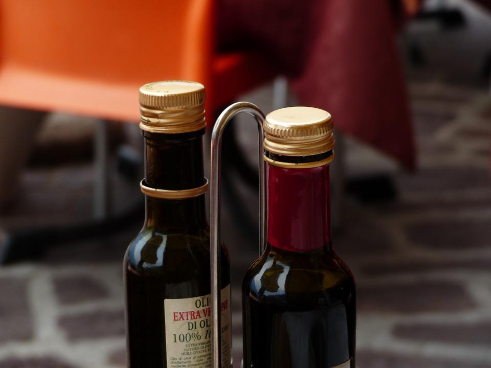 bottles-357885_960_720