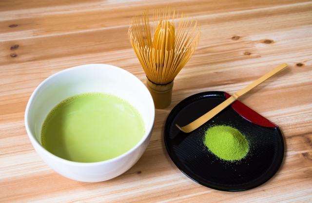 飲み お 方 抹茶 抹茶の【歴史・作り方・緑茶や煎茶との違い・効果・入れ方・飲み方】