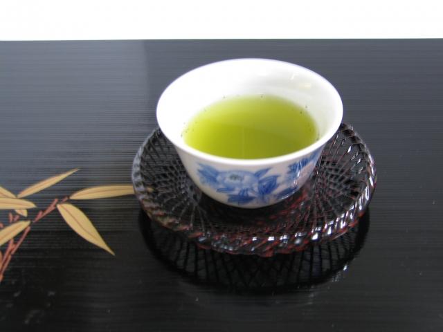 美味しい煎茶の入れ方って?適切な浸出時間や温度、茶葉の量についても